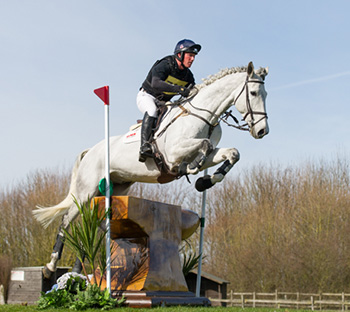 Oliver Townend riding Peruising