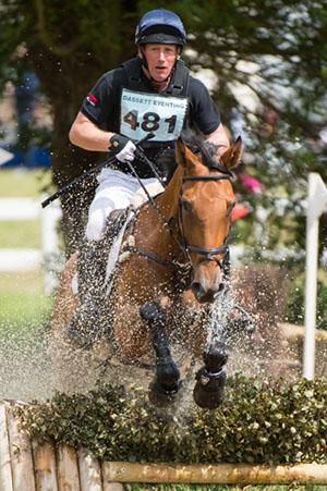 Cooley SRS at Aston-leWalls © Trevor Holt